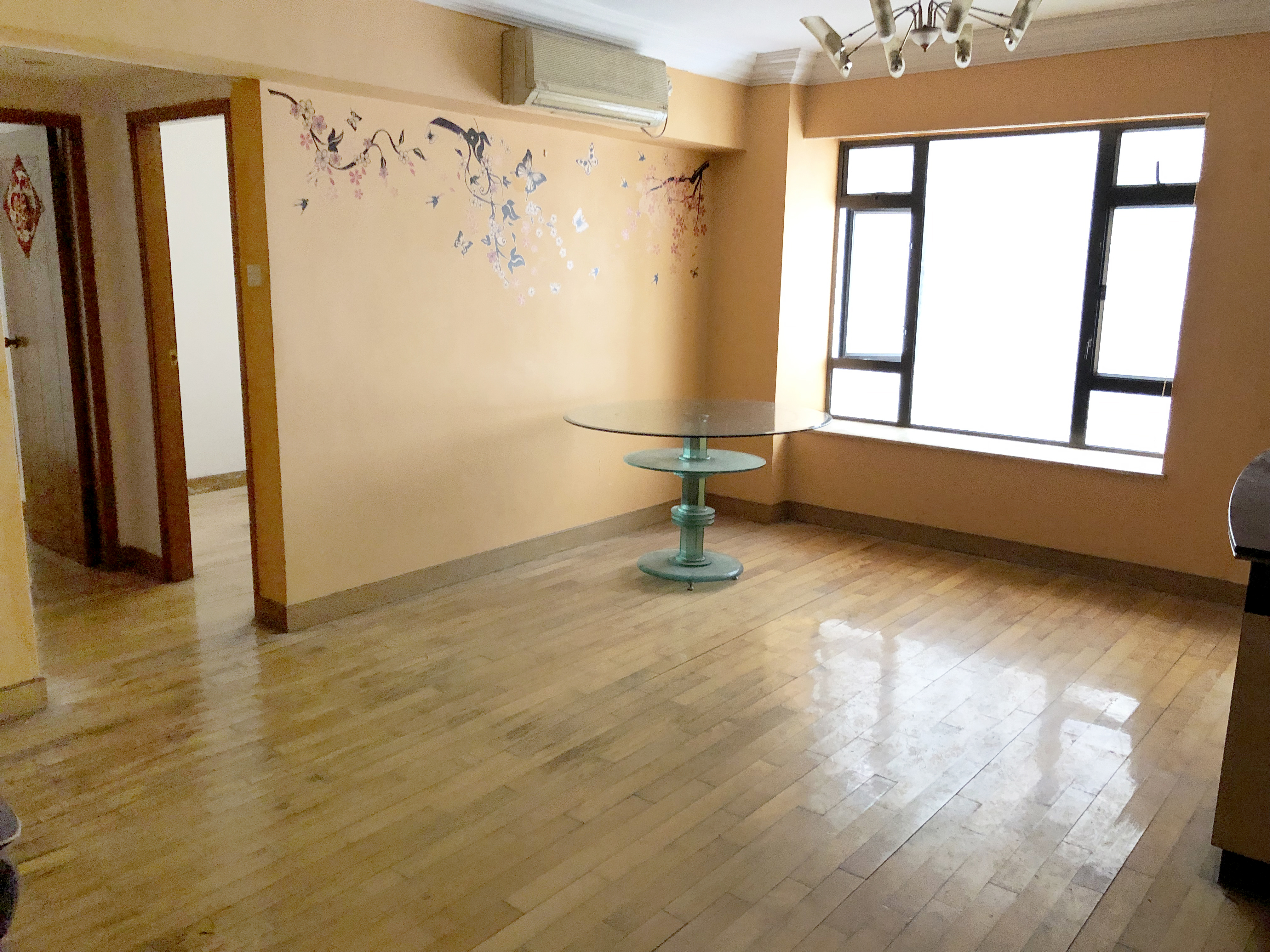 華寶花園 4座/中層/W室